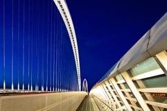 Reggio Emilia, Italien-- Calatrava Brücken nachts Lizenzfreie Stockfotos