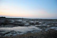 Região de Ivanovo, pedreira abandonada, pântano imagens de stock