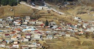 Região de Mtskheta-Mtianeti, Geórgia Vilas Stepantsminda e Gergeti Autumn Season filme