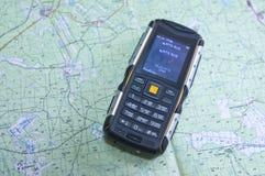 26 02 2016 região de Rússia, Sverdlovsk Em um mapa topográfico de Sverdlovsk a região é um alto nível do telefone celular da prot Imagens de Stock