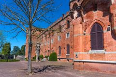 Região do Chianti, Itália - 21 de abril de 2018: Castello di Brolio, um castelo rural, palácio e jardins, perto de Siena, região  imagem de stock royalty free