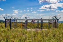 Región de Kaluzhskiy, Rusia - agosto de 2018: Subestación del gas de Kaluga - de Belousovo en campo imagenes de archivo