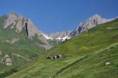 Región magnífica de St. Bernard, montañas italianas, el valle de Aosta. Imagenes de archivo
