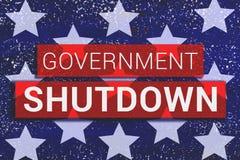 Regierungs-Abschaltungs-Text mit Sternen von uns Flagge auf blauem Hintergrund vektor abbildung