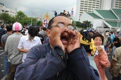 Regierungsfeindliche Sammlung in Bangkok Stockbilder