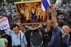 Regierungsfeindliche Sammlung in Bangkok Stockbild