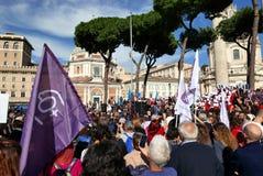 Regierungsfeindlicher Protest in Rom lizenzfreie stockfotografie
