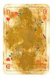 Regina usata anziana della carta da gioco dei cuori isolati su bianco Fotografia Stock Libera da Diritti