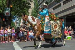 2015 regine forti Carsen Cordell del rodeo di Dalles Fotografia Stock