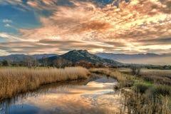 Reginu-Fluss, der in Losari-Strand in der Balagne-Region von C ankommt Lizenzfreies Stockfoto