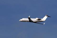 Regionaal passagiersvliegtuig stock afbeelding