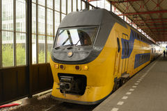 Regionale trein in Eindhoven, Nederland Royalty-vrije Stock Afbeeldingen