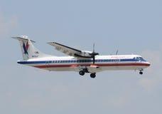 Regionales Flugzeug des amerikanischen Adlers stockbilder
