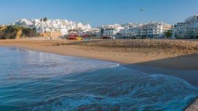 Regione Algarve, vacanze estive del Portogallo della città di Albufeira archivi video