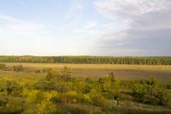 Regione di Tula, fiume Oka ed i campi intorno Fotografie Stock Libere da Diritti