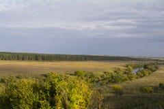 Regione di Tula, fiume Oka ed i campi intorno Immagine Stock Libera da Diritti