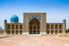 Registan广场的,撒马而罕Madrasah Tilla卡里 库存图片