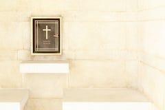 Register för kyrkogård för solider för världskrig två i Kanchanaburi, Thailan royaltyfri foto