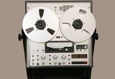 Registrador abierto de la cinta de audio del carrete de la obra clásica Fotografía de archivo