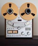 Registrador abierto de la cubierta de cinta del carrete de la estereofonia analogica Imagenes de archivo