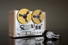 Registrador estéreo de carrete de la cubierta de cinta de la vendimia Imagenes de archivo