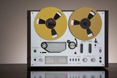 Registrador estéreo de carrete de la cubierta de cinta de la vendimia Fotos de archivo libres de regalías