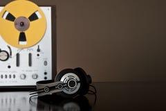 Registrador estéreo de carrete de la cubierta de cinta de la vendimia Imágenes de archivo libres de regalías