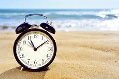 Registrando in avanti l'orologio per ottenere l'ora legale Fotografie Stock Libere da Diritti