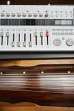 Registreringsapparat- och Guqin instrument Royaltyfri Foto