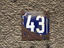 registreringsskylt för 43 hus Arkivfoton