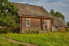 Registri a casa, casa agricola del ` s fatta dei ceppi Fotografie Stock Libere da Diritti