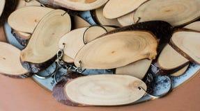 Registro de madera cortado en pedazos finos redondos Fotos de archivo libres de regalías