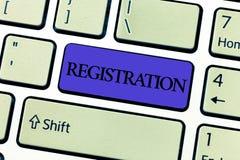 Registro do texto da escrita da palavra O conceito do negócio para a ação ou o processo de registrar-se ou que está sendo registr fotos de stock royalty free