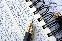 Registro e grafico con i numeri immagine stock libera da diritti