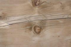 Registros de madera ramificados amarillentos agrietados hermosos foto de archivo