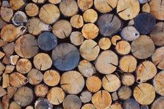 Registros tajados de la leña Fondo de madera deforestation imágenes de archivo libres de regalías