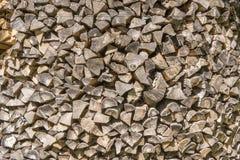Registros y leña doblados para el almacenamiento Textura de madera imágenes de archivo libres de regalías