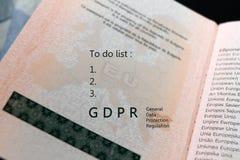 Reglering för skydd för allmänna data för GDPR-regleringstext och att göra listatext på en översikt av EU för europeisk union på  royaltyfria bilder