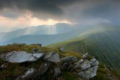Regn i Carpathiansna Arkivbilder