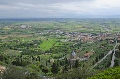 Regn kommer till den Val D `en Chiana i Cortona, Italien Royaltyfri Bild