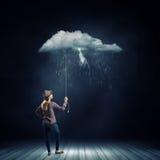 regn under kvinna Royaltyfri Fotografi