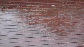 Regna dag lager videofilmer