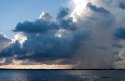 Regna stormen royaltyfria foton