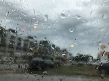 Regna tappar på fönster Royaltyfria Foton