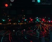 Regnbågerailtracks på den London brostationen arkivfoto