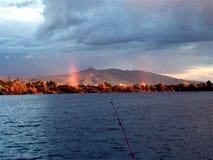 regnbågar två Arkivfoto