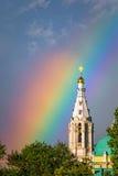 Regnbåge över templet av Sophia Wisdom God Arkivbild
