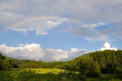 regnbåge arkivbild