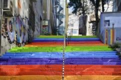 Regnbåge-färgad trappa Fotografering för Bildbyråer