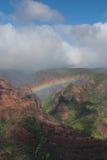 Regnbåge i den Waimea kanjonen Royaltyfria Bilder